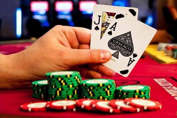 Играть в реальном казино на реальные деньги карты персонажи играть